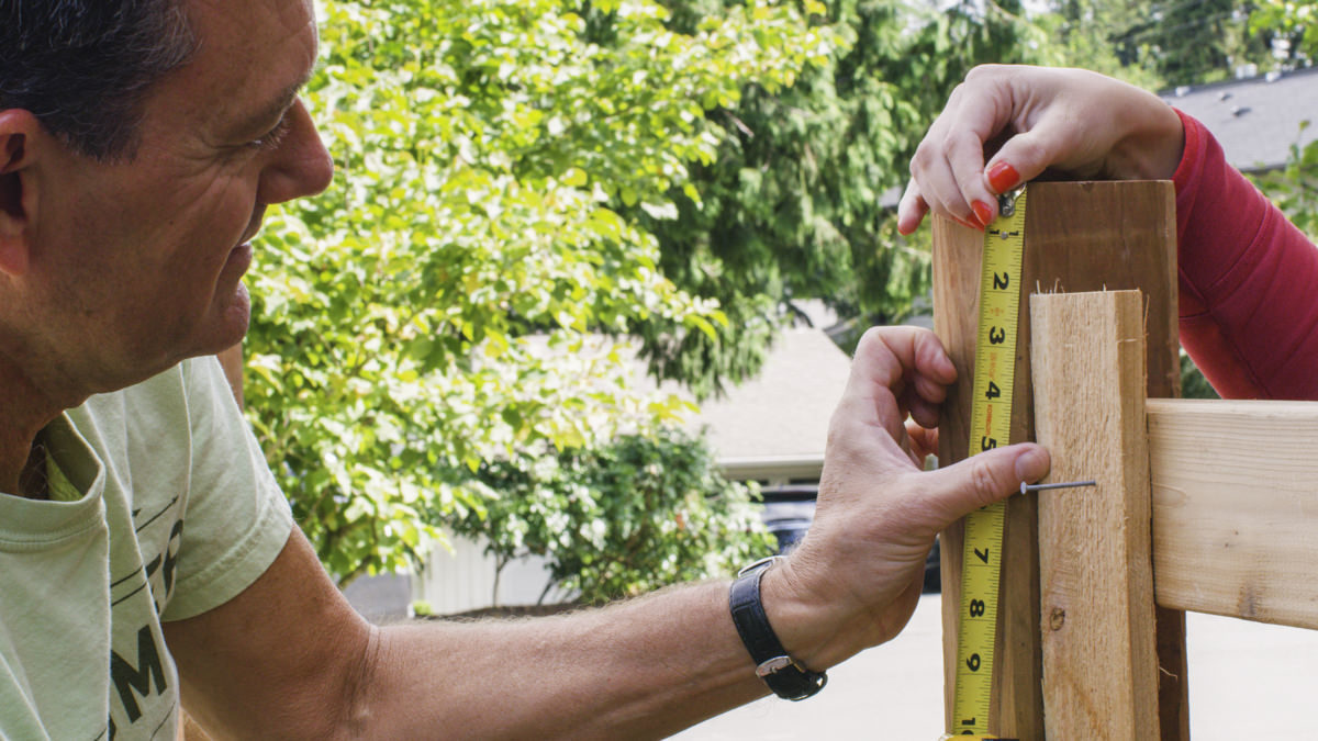 measuring vertical fence diy