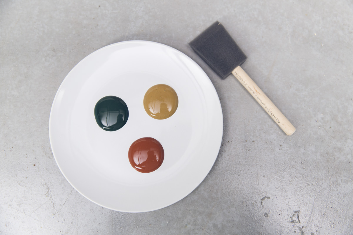 paint on plate