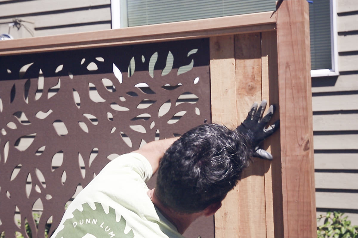 installing cut fence boards