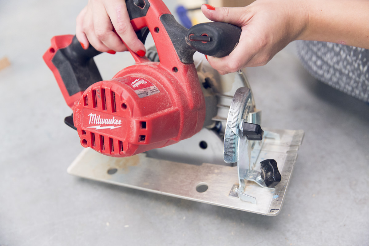 setting angle on circular saw