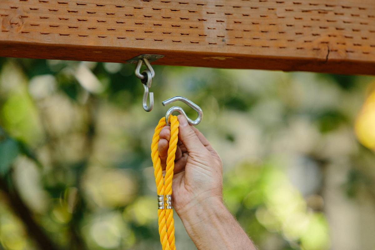 hang swings on hooks