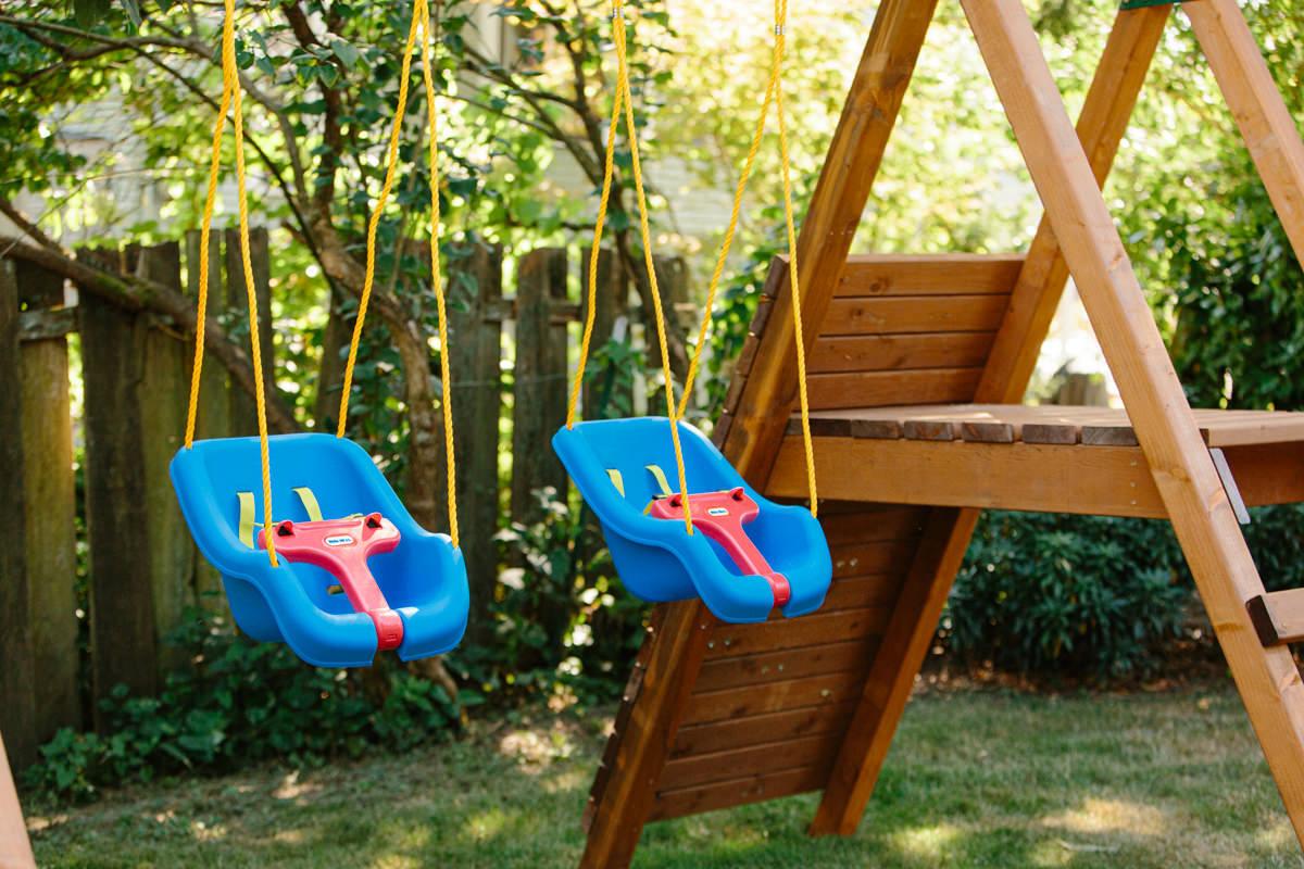 swings on the swing set