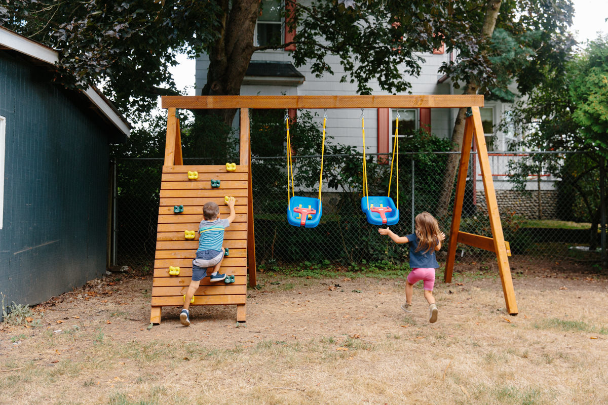 how to build a wooden swing set