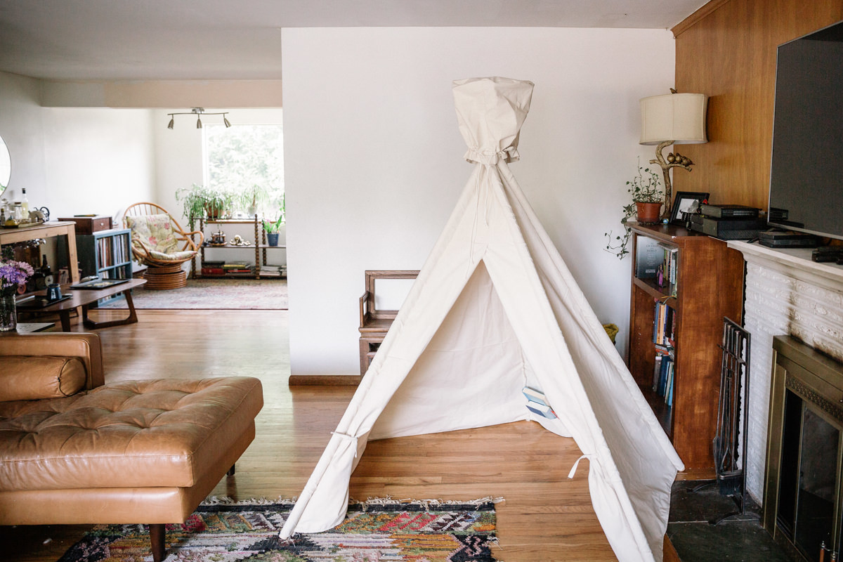 how to make an indoor teepee-style tent
