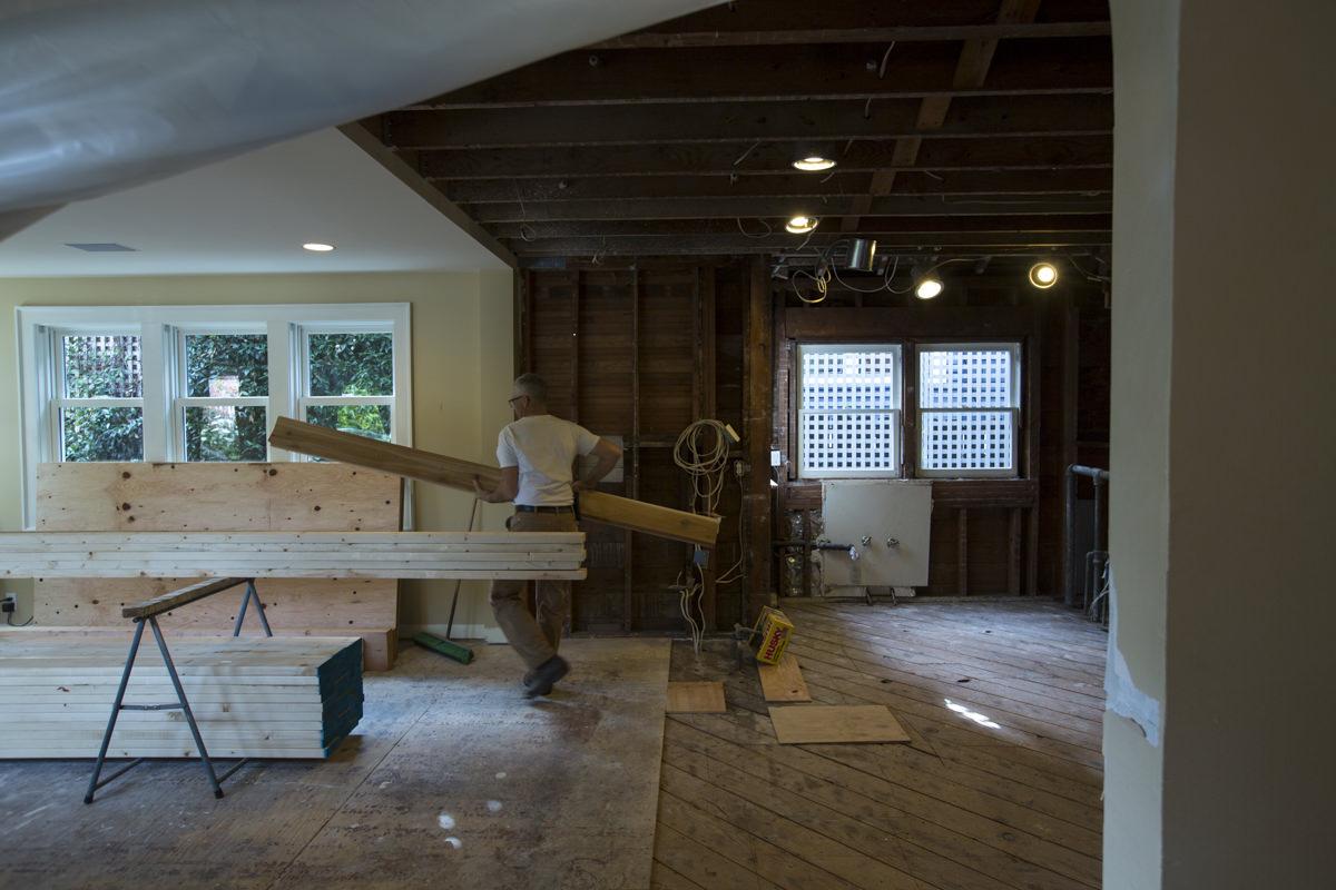 carpenter remodeling home