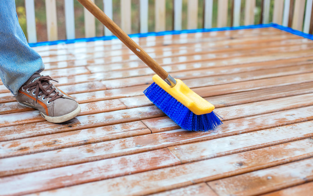 Dunn Lumber Staining or Restaining Your Deck Timing and Tips for Best Results Seattle WA 1