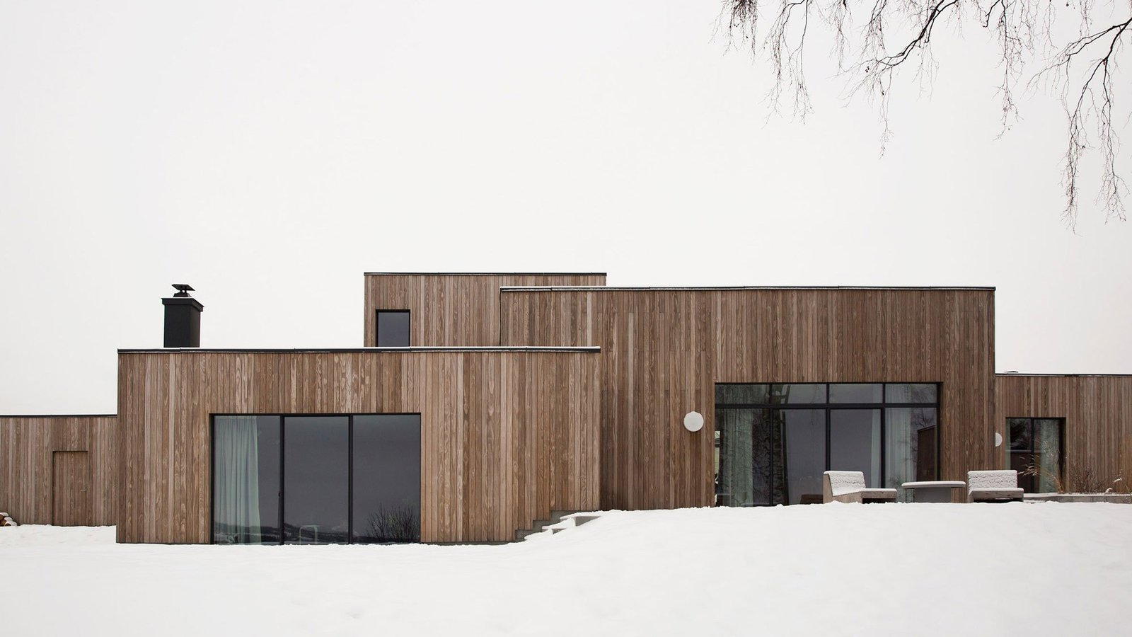 ... The Gjøvik House By Danish Firm Norm Architects Gracefully Embraces Its  Hillside Terrainu2014naturally Blending In With Its Stunning Surroundings Near  Mjøsa ...