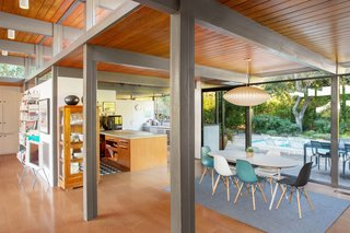 This Post-and-Beam in Pasadena Offers Classic California Living For $2M - Photo 3 of 13 -
