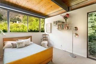 This Post-and-Beam in Pasadena Offers Classic California Living For $2M - Photo 9 of 13 -