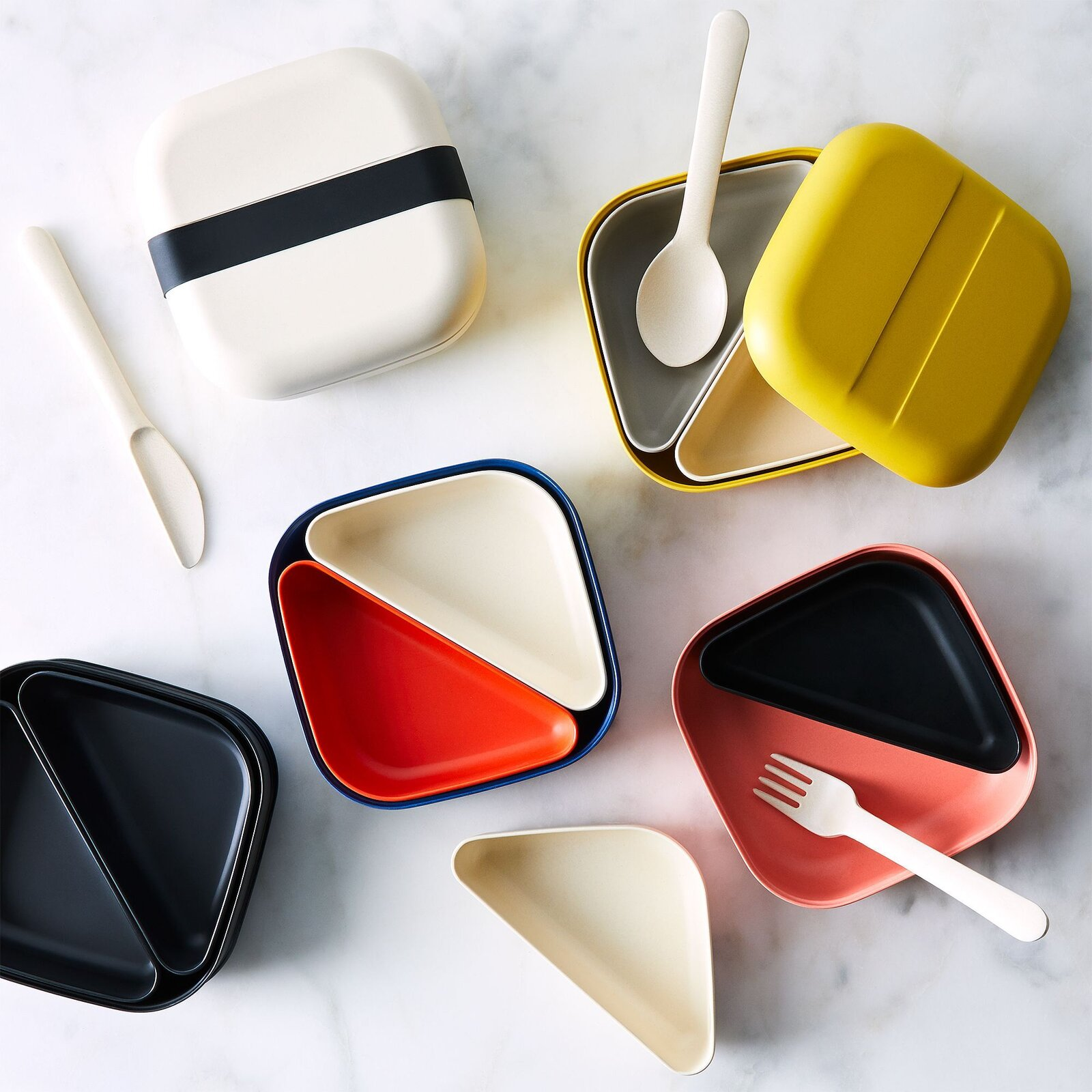 Get that back-to-school feeling—without all the homework—with these stylish lunch boxes.