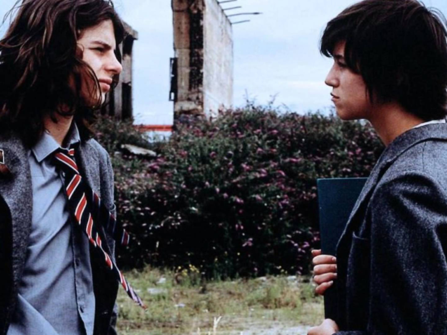 Andrew Robertson and Charlotte Gainsbourg in <em>The Cement Garden</em>
