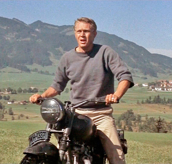 Steve McQueen gets ready to fly in <em>The Great Escape</em>
