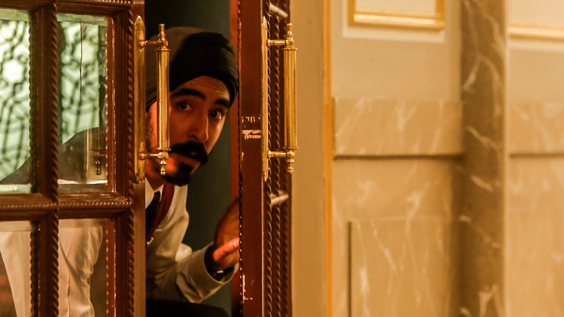 Dev Patel in <em>Hotel Mumbai</em>