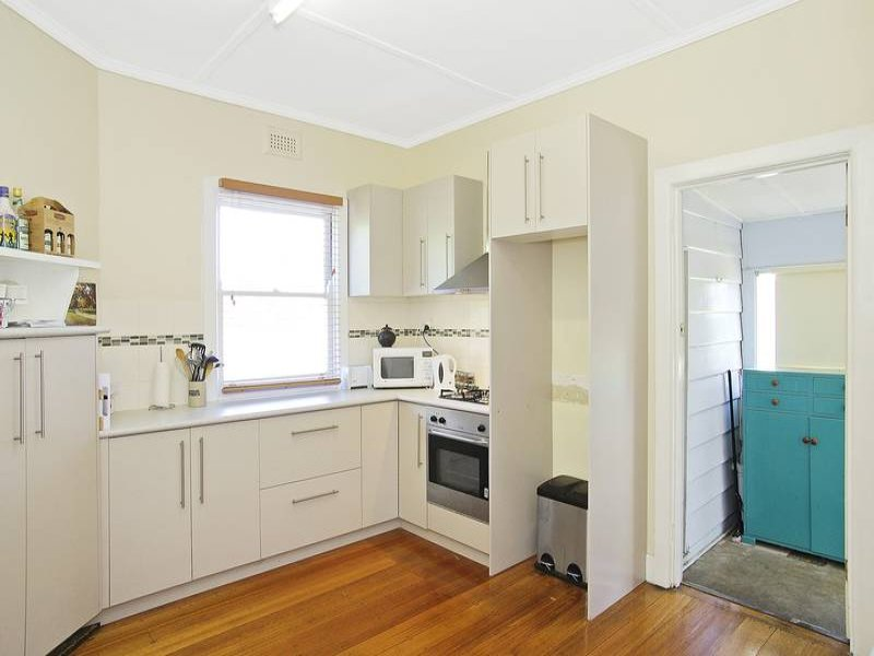 12 Richardson Street, East Geelong