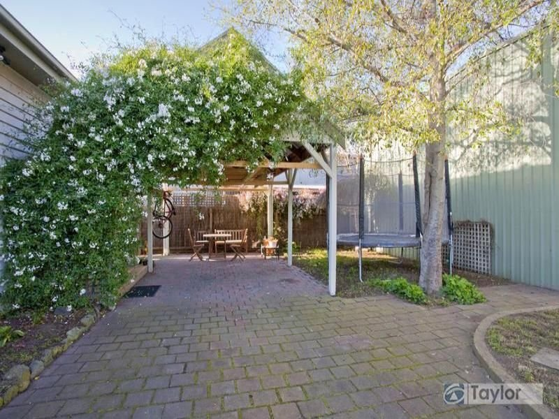 398 Pakington Street, Newtown