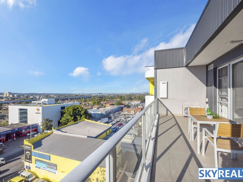 Near New, Attractive Apartment - Superb Sunny Views