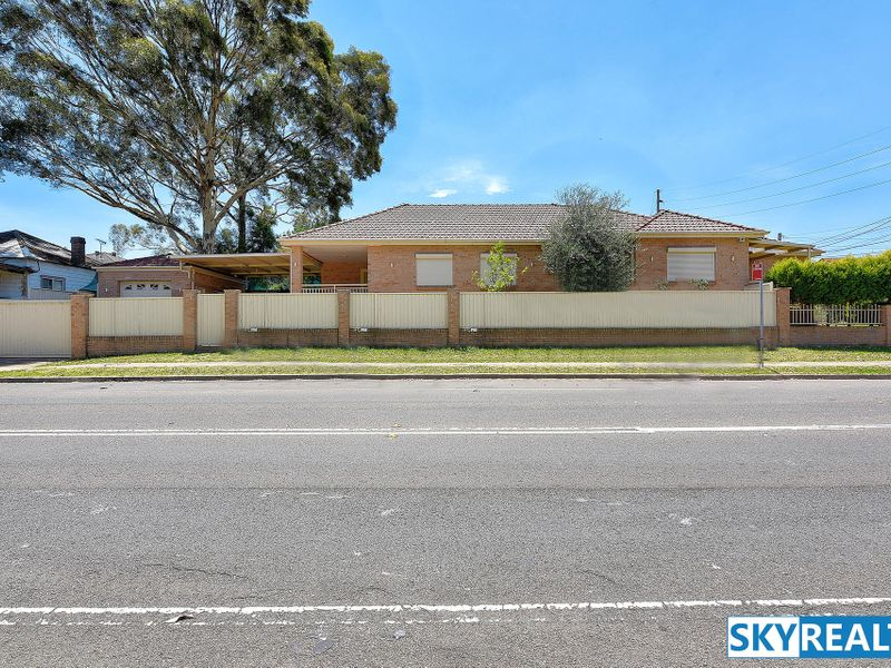 Large, Private & Lovely Modern Home - Investment & Business Potential