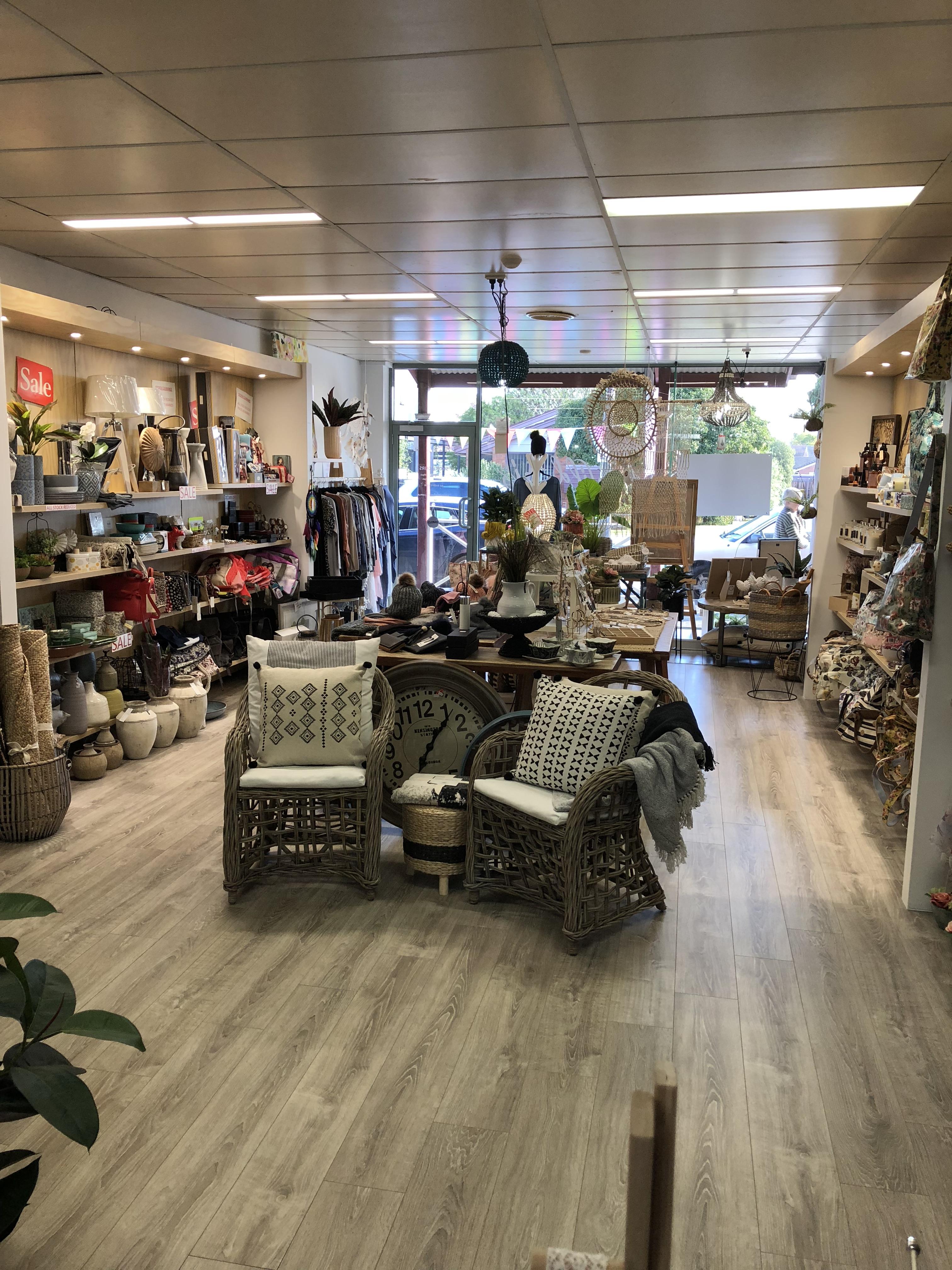 Shop 10 / 350 Pakington Street, Newtown