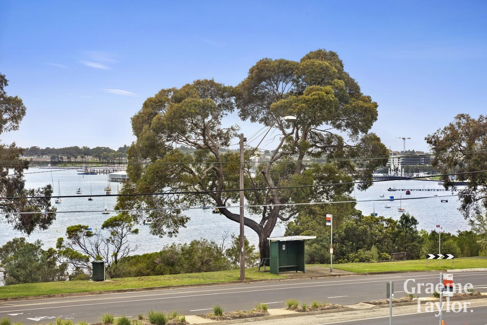 4 / 17 The Esplanade, Geelong