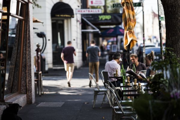 MELBOURNE'S WALKABLE NEIGHBOURHOODS ATTRACT PRICE PREMIUM