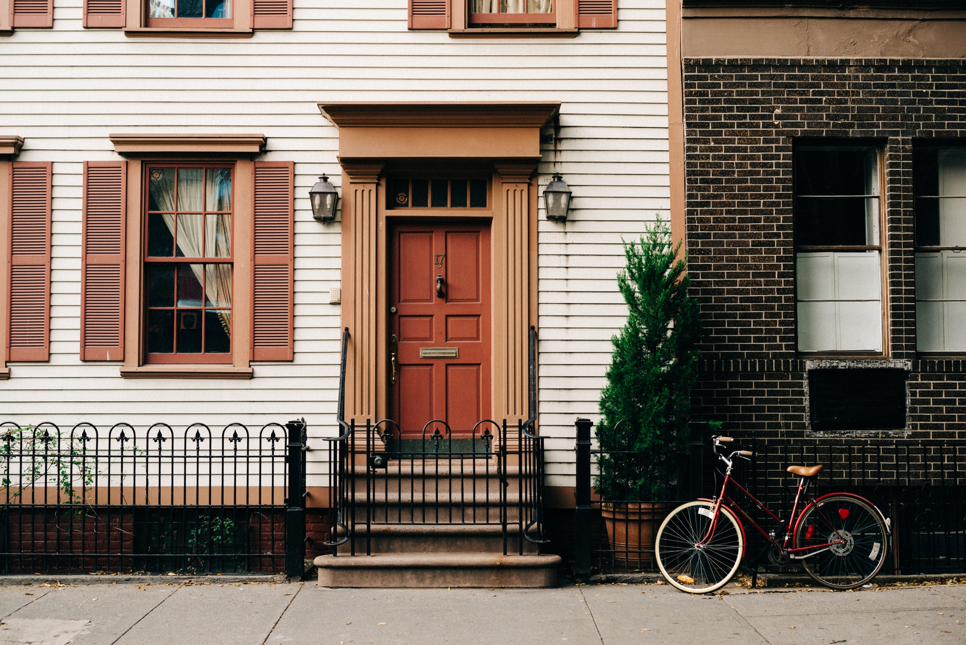 THE COMPLETE GUIDE FOR FIRST TIME HOME RENTERS