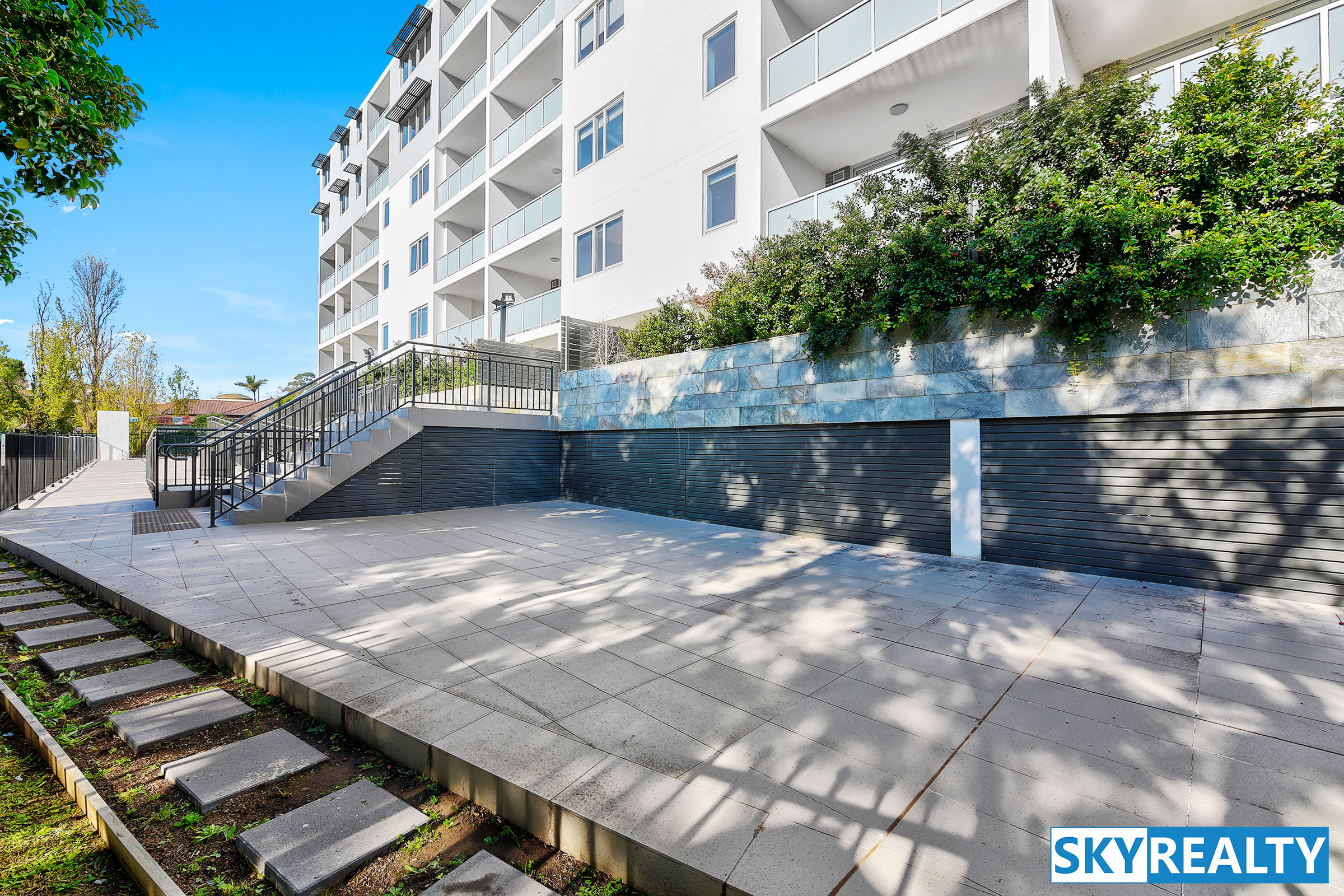Brand New, Great Views & Location, Perfect North / East Corner Position