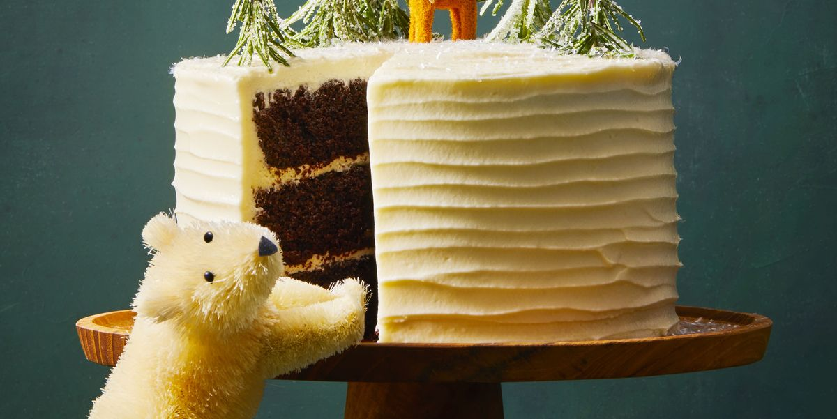 Chocolate Gingerbread Cake With White Chocolate Buttercream