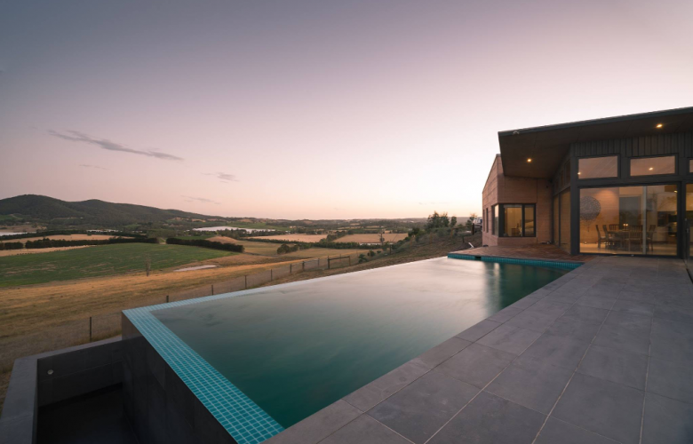 Why choose a natural swimming pool?