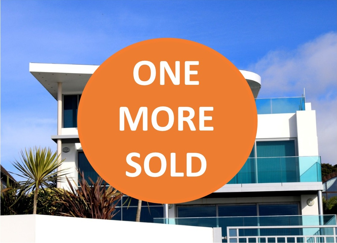 Setting the right price when selling a home