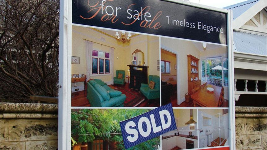 House prices rise with regional market outperforming capital cities, CoreLogic data shows