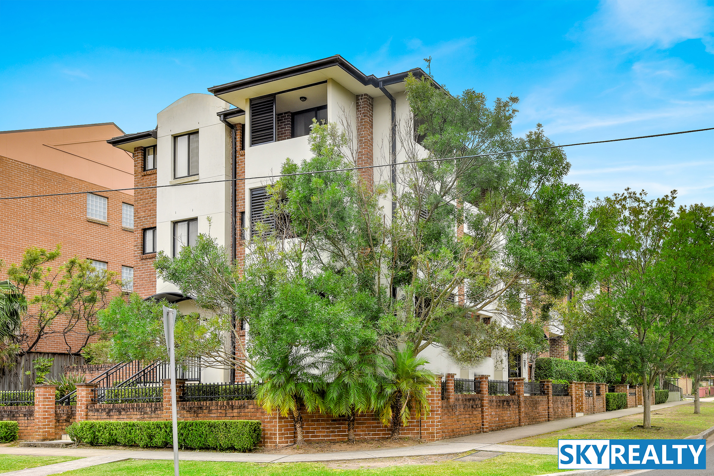 Private, Peaceful & Desirable Three Bedroom Home Unit