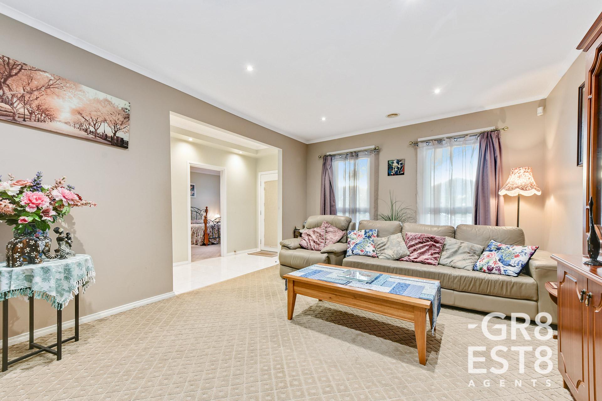 30 Hal Porter Terrace, Lynbrook