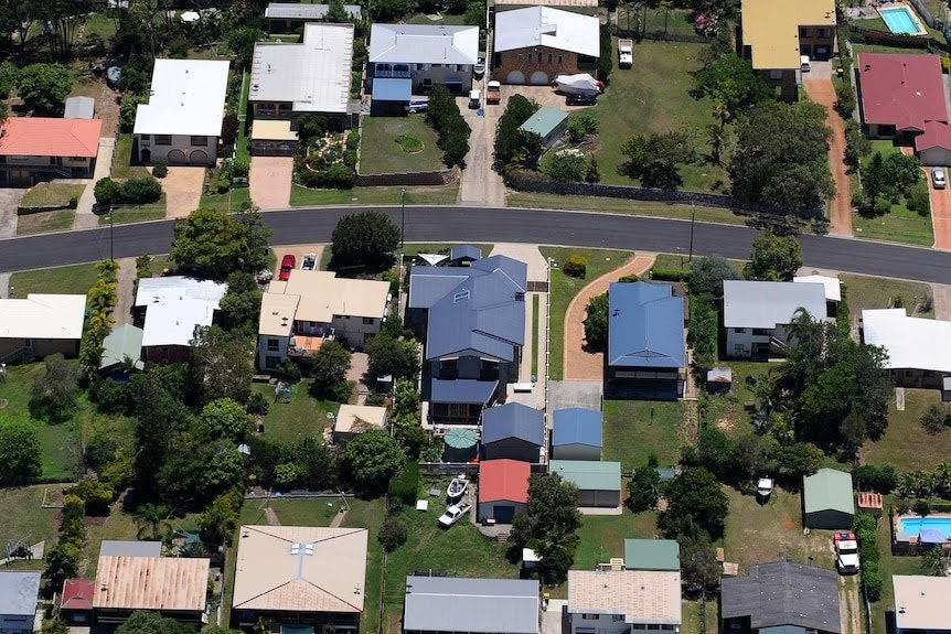 ASX gains as JB Hi-Fi profits surge; Commonwealth Bank forecasts house price boom
