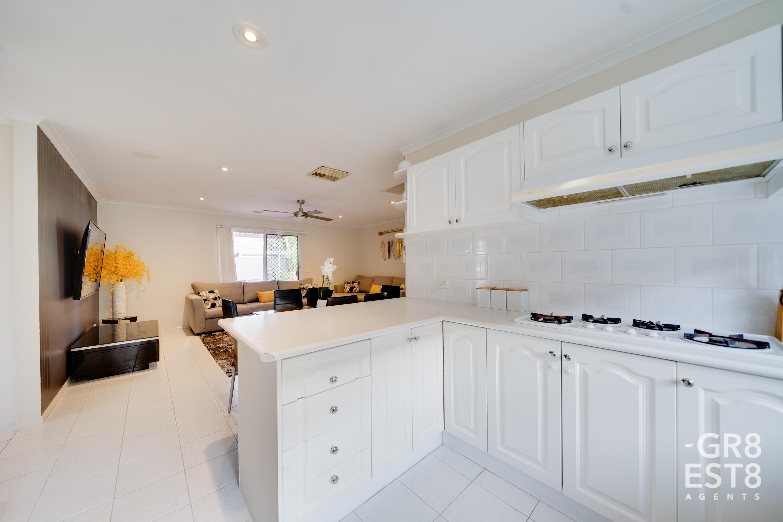 30 Broome Crescent, Cranbourne North
