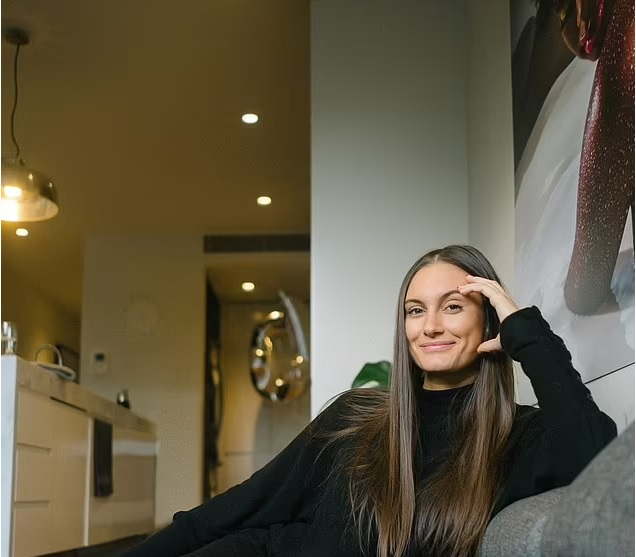 Your guide to buying the perfect investment property: Young investor, 28, who bought her first block of land when she was 21 reveals why it's ALWAYS better to build rather than buy a home