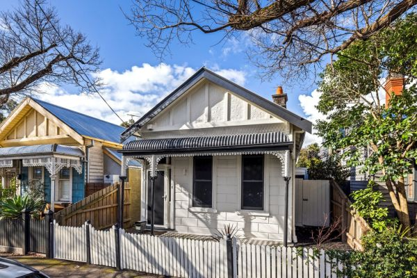 First-home buyers dropping out of the property market as investors return, new data shows