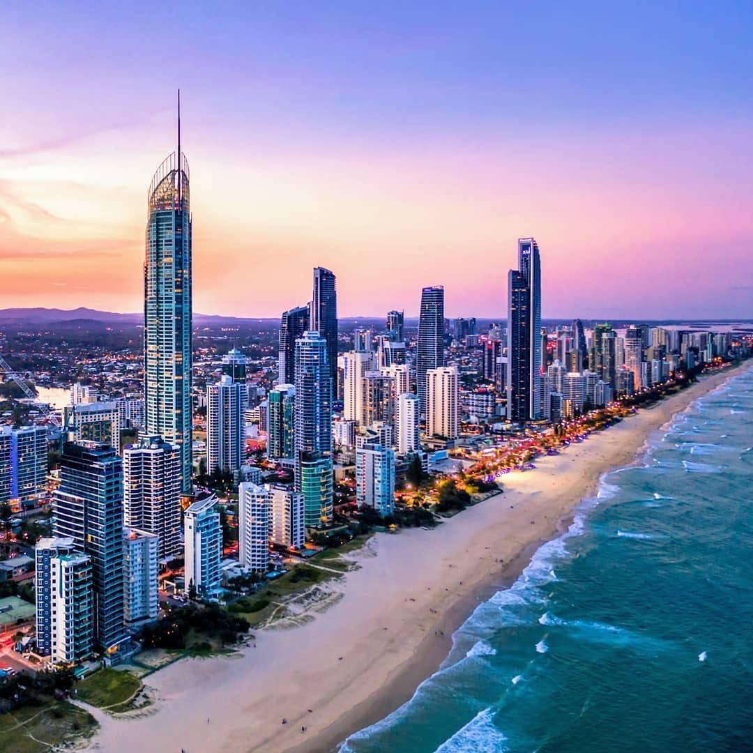 Australia's population grinds to almost standstill, as Queensland records biggest growth