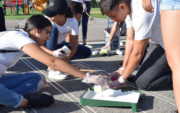 Opportunity Scholars do a service project at Redwood Elementary