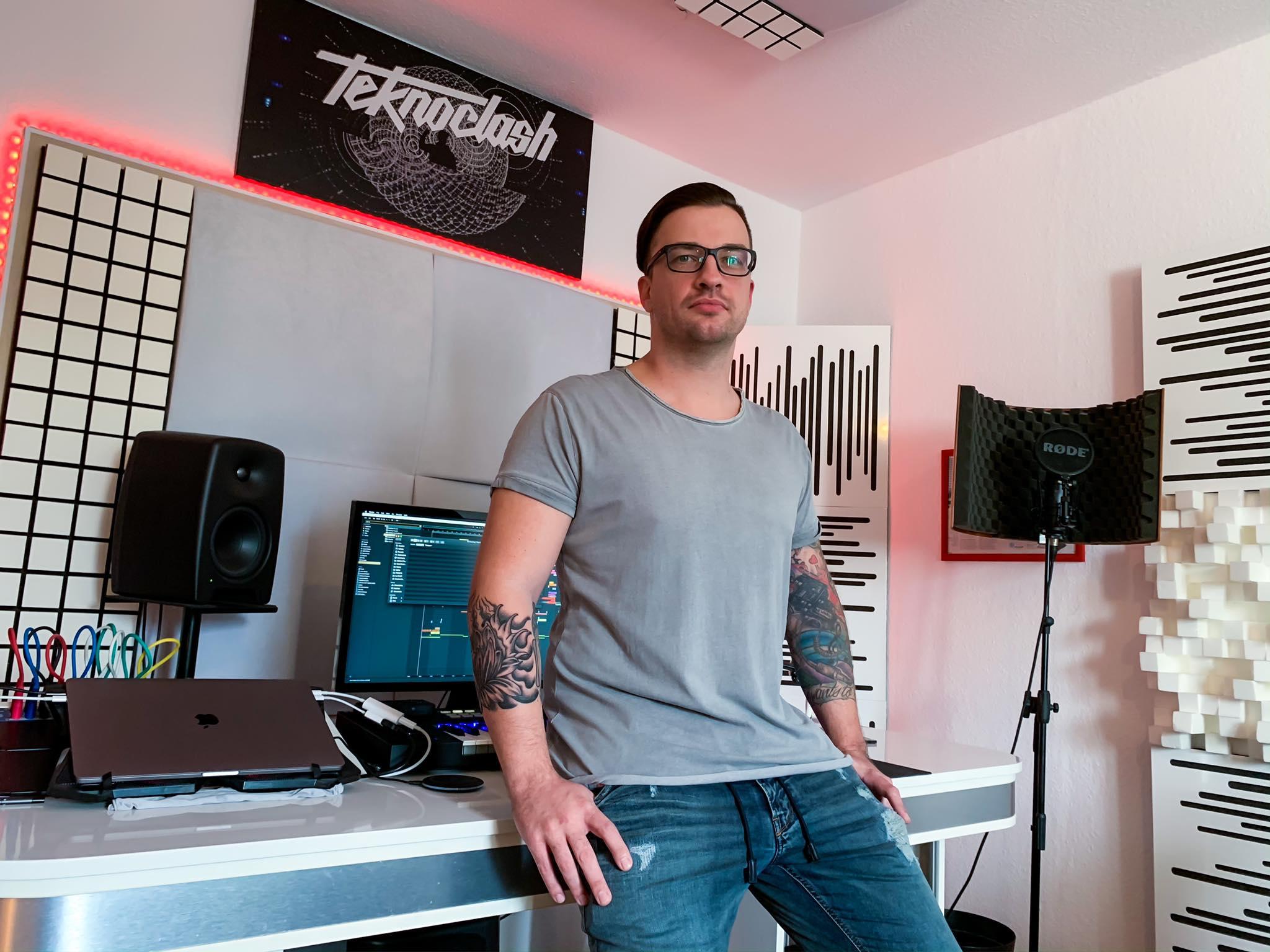 teknoclash in his studio