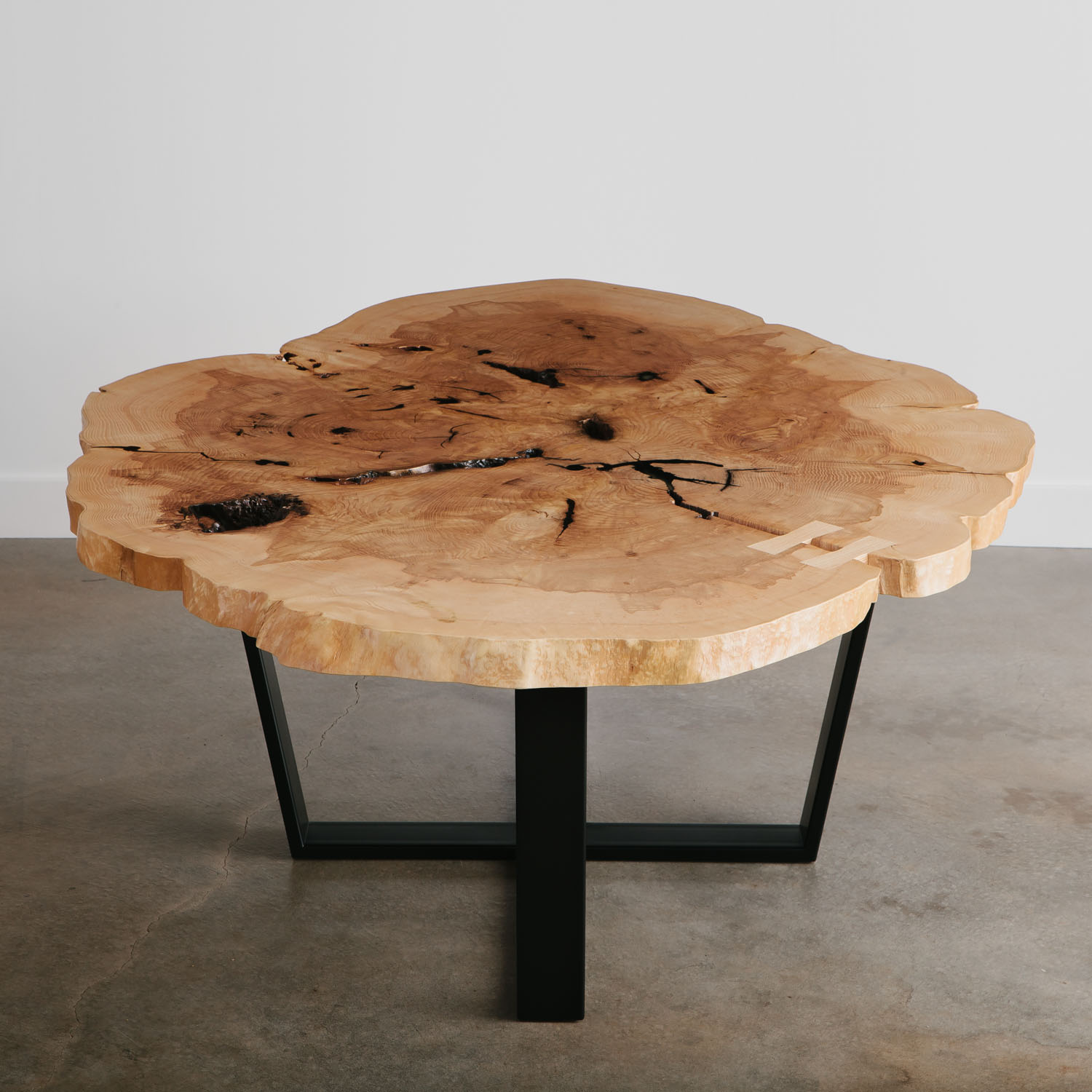 Cross cut slab ash table with natural tree character