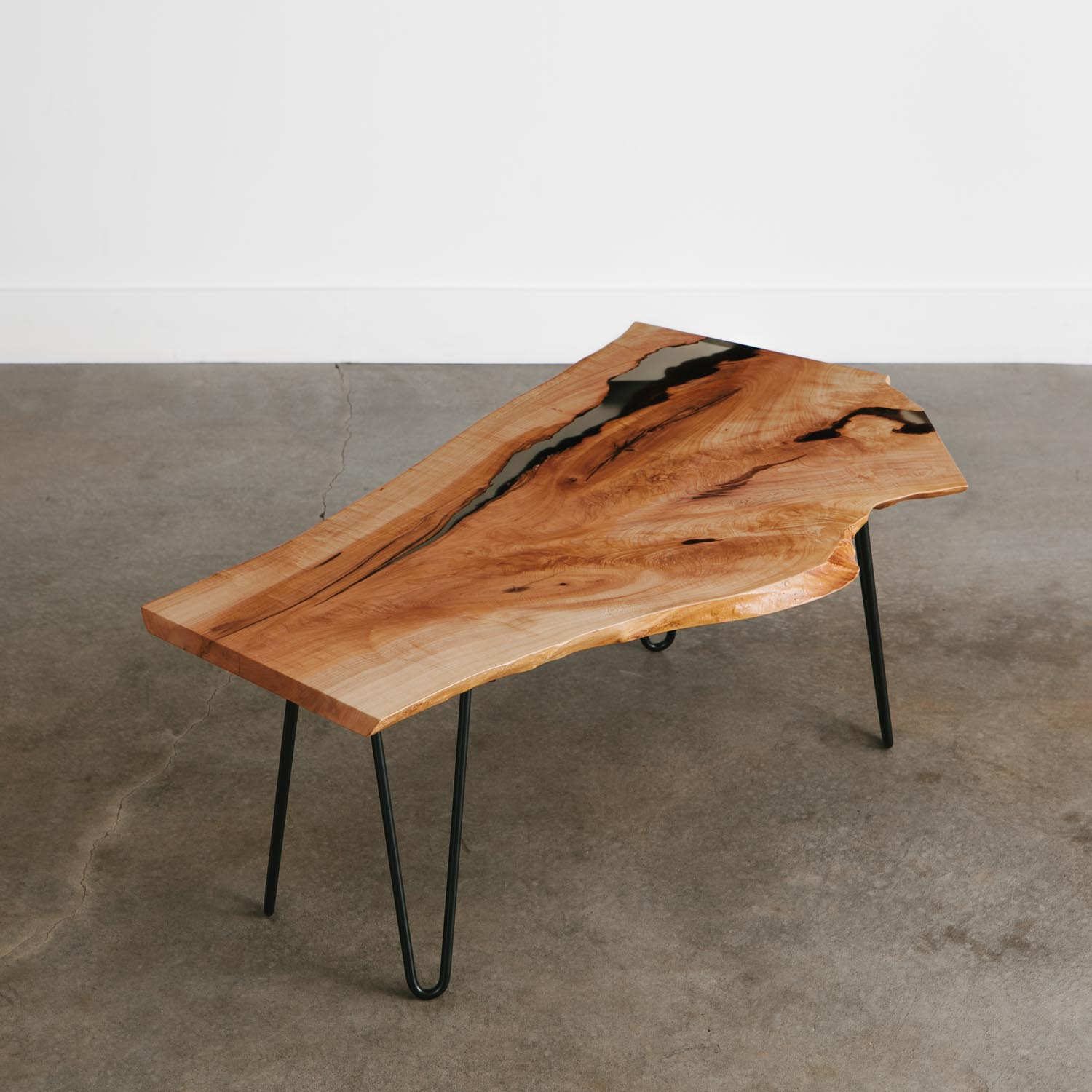 Mid century modern live edge coffee table with black hairpin legs