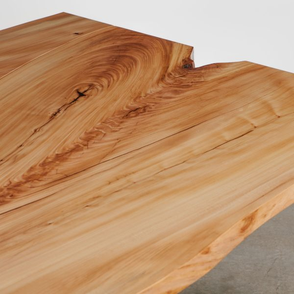 live-edge-elm-wood-grain