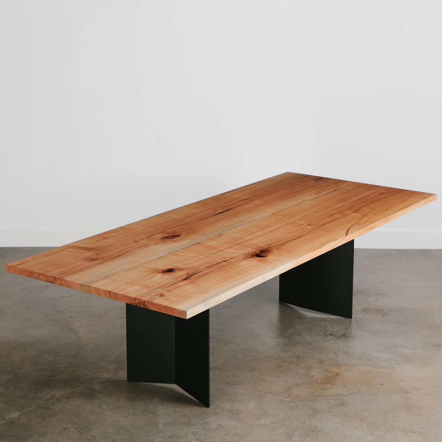 Modern furniture dining table