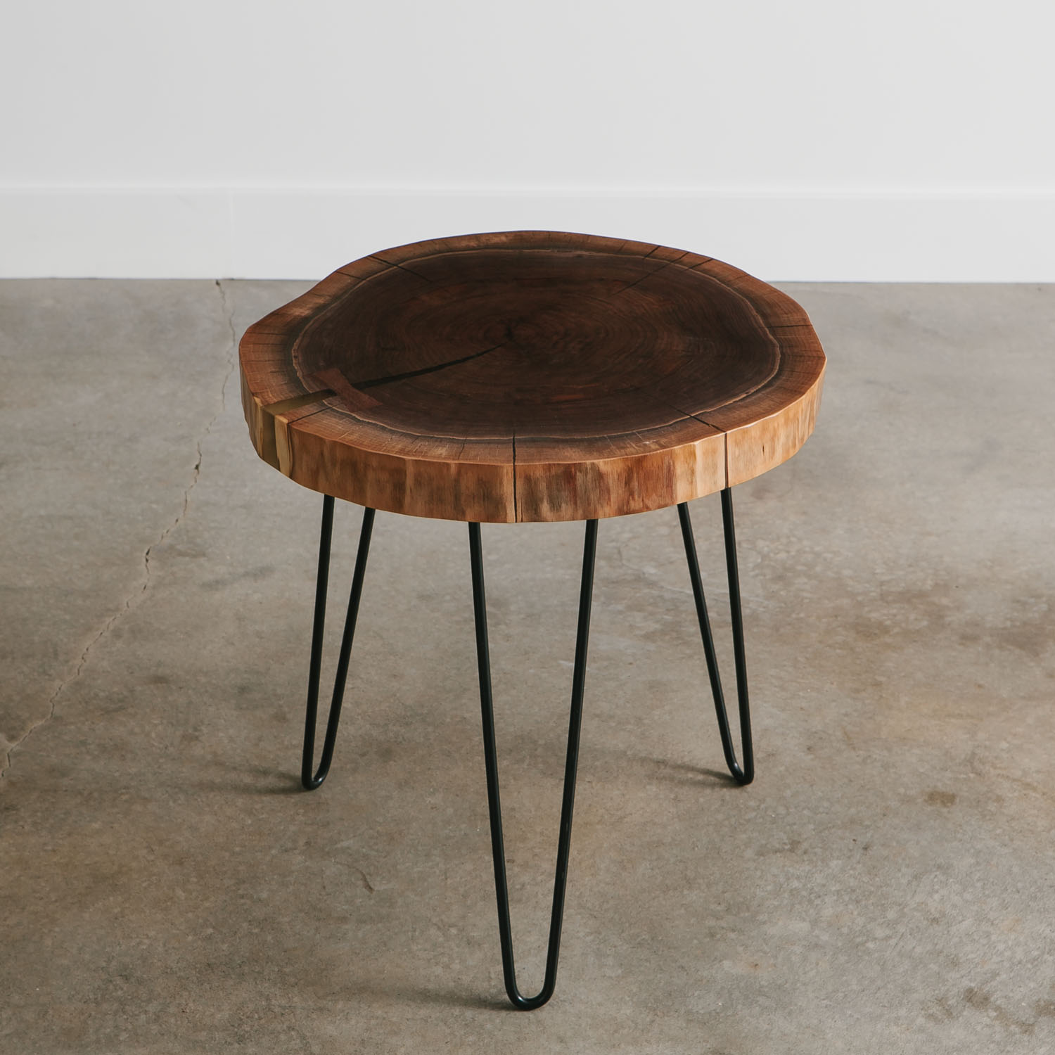 Charmant Walnut Side Table   Elko Hardwoods | Modern Live Edge Furniture   Dining U0026 Coffee  Tables, Desks, Benches