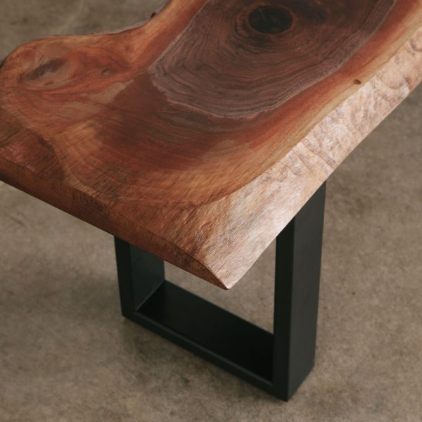 Live edge walnut bench wood grain Elko Hardwoods