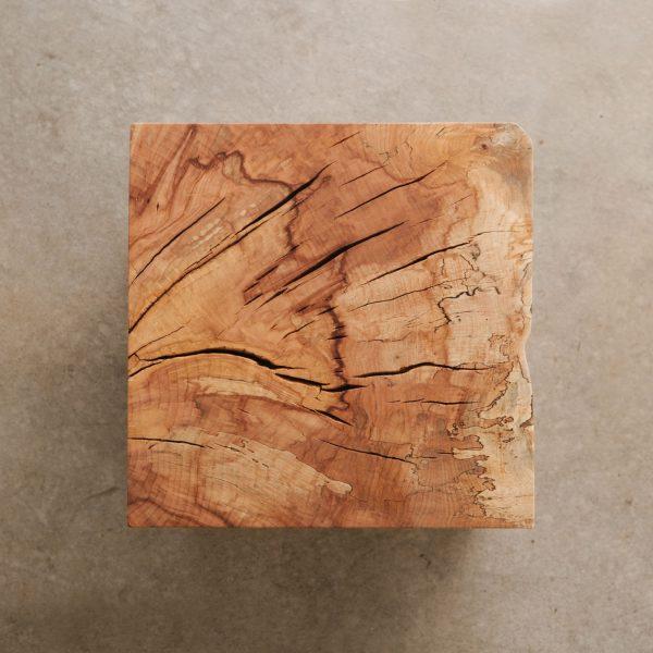 Maple stump side table end grain detail