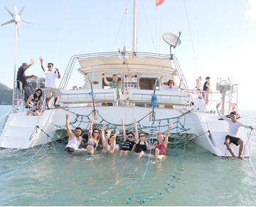 Crystal Yacht Holidays are Langkawi's sailing and ocean tours specialists since 1989, offering the best ocean & sunset views and dining experiences. Holiday memories at their best!