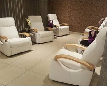 Come and experience the wide range of treatments we have to offer at Magic Spa. For a day of total relaxation and rejuvenation, give your life a refreshing boost with our services. Stay forever young with permanent make-up, eyelash extensions, waxing, threading & tinting, manicures & pedicures, facials and variety of massages performed by well-trained therapists.