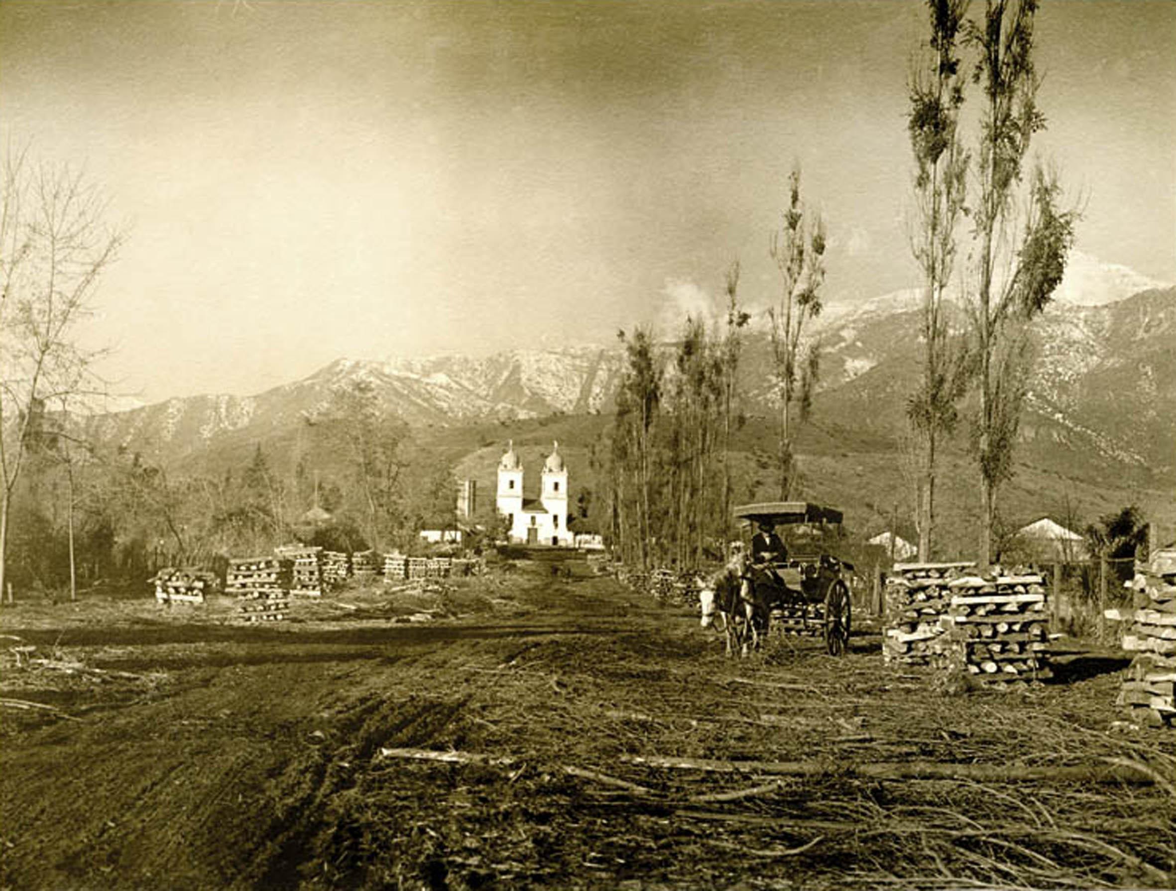 Enterreno - Fotos históricas de chile - fotos antiguas de Chile - Los Dominicos, Santiago, 1924