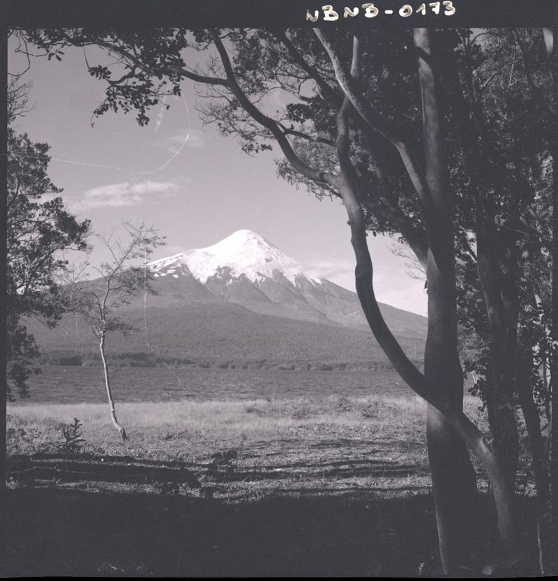 Enterreno - Fotos históricas de chile - fotos antiguas de Chile - Volcán Osorno en los años 60s.
